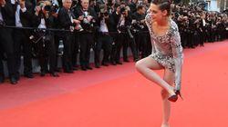 Adieu les talons, Kristen Stewart retire ses chaussures pour monter les