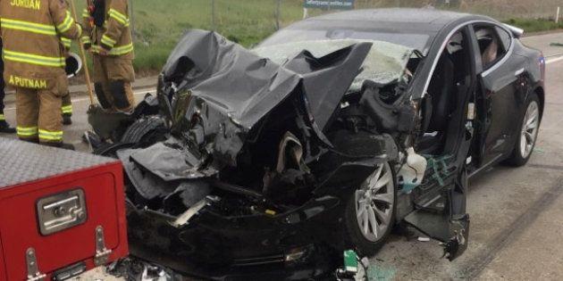 Après un nouvel accident lié à l'AutoPilot, Musk vante la résistance de ses