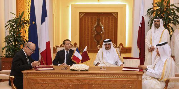 Macron au Qatar: Rafale, métro, véhicules blindés... une moisson de contrats pour la