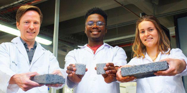 Ces étudiants ont créé la première brique à base