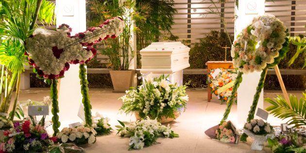 À Saint-Barthélémy, un enterrement simple pour Johnny Hallyday, loin du faste de l'hommage
