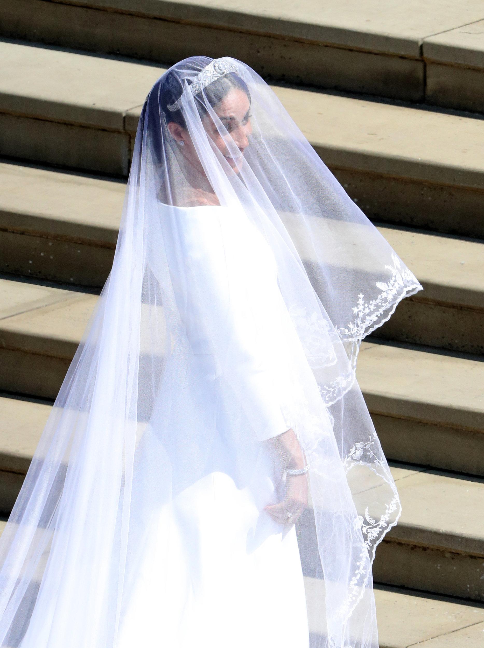 Meghan Markle sublime dans sa robe de marié