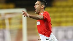 Falcao marque un but de 40 mètres en Coupe de la
