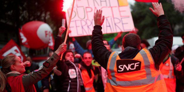 Réforme SNCF: 2 Français sur 3 veulent que le gouvernement aille jusqu'au