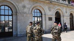 La garde à vue de l'individu suspect arrêté samedi gare Saint-Charles a été