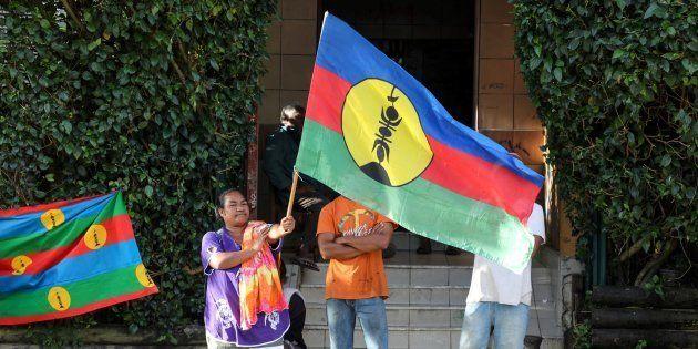 En métropole, les partisans de l'indépendance de la Nouvelle-Calédonie sont majoritaires, selon un sondage...