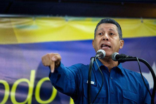 Au Venezuela, pourquoi ces tentes rouges ont fait polémique lors de l'élection