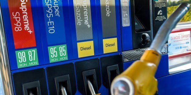 Prix des carburants: 78% des Français pour le blocage des routes le 17
