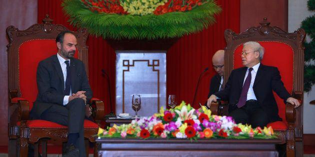 Le premier ministre Édouard Philippe a présidé à la signature d'une série de contrats et accords entre...