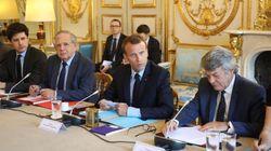Contrairement à l'opposition, Borloo ne trouve pas du tout que Macron a