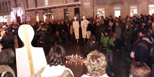 Quelques heures avant l'arrestation, des centaines de personnes s'étaient rassemblées en mémoire de Razia,...