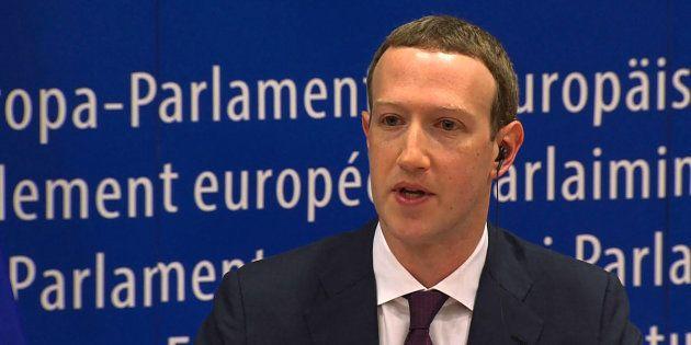 Mark Zuckerberg, le patron de Facebook, a présenté ses excuses devant le parlement européen (photo prise...