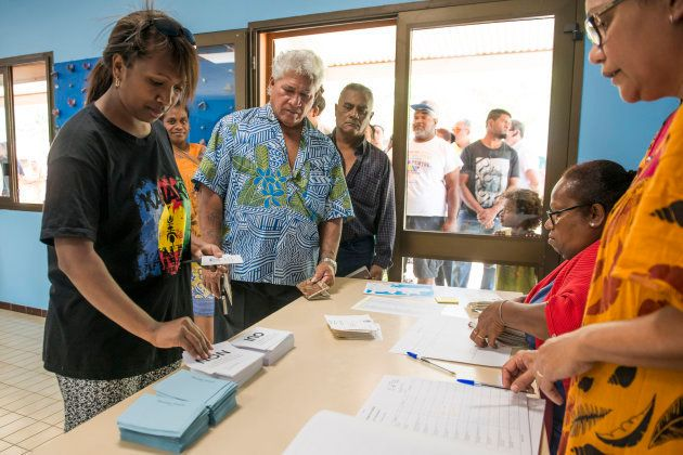 Référendum en Nouvelle-Calédonie: forte affluence dans les bureaux de vote de