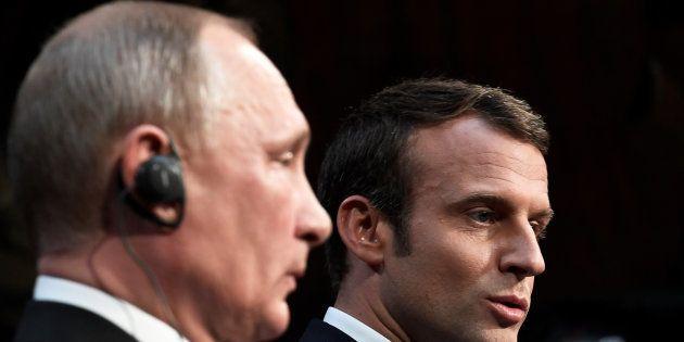 Emmanuel Macron et Vladimir Poutine lors d'une conférence de presse à Versailles le 29 mai