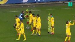 Pendant Rennes-PSG, ils s'introduisent sur le terrain déguisés en Tortues Ninja et enlacent Kylian