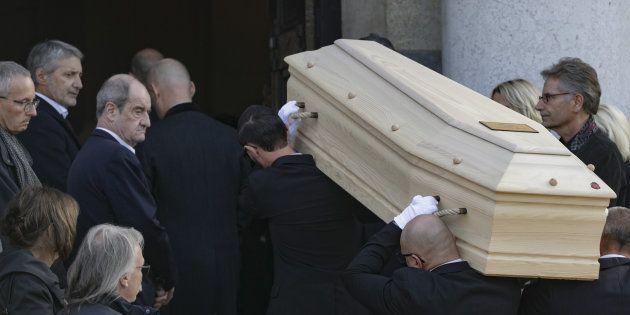 Antoine de Caunes et Pierre Lescure aux obsèques de Philippe