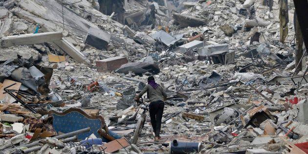 Dans le quartier dévasté de Hajar al-Aswad à Damas le 22 mai