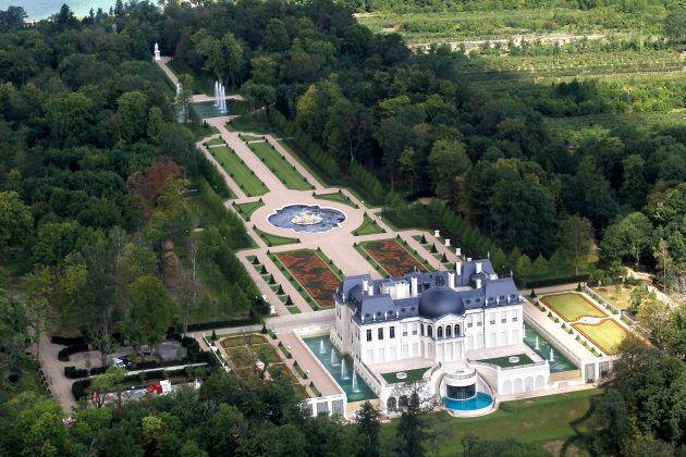 Le Château Louis XIV de Louveciennes,