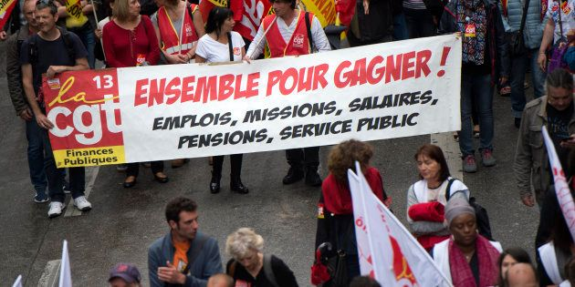 En organisant plusieurs défilés ce samedi, le front anti-Macron espère fédérer un maximum de participants...