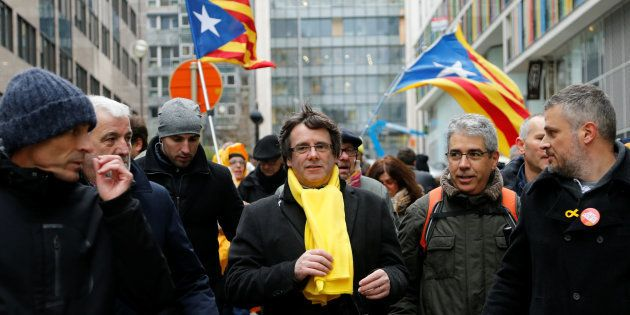 Élections en Catalogne: les trois scénarios possibles, selon le HuffPost