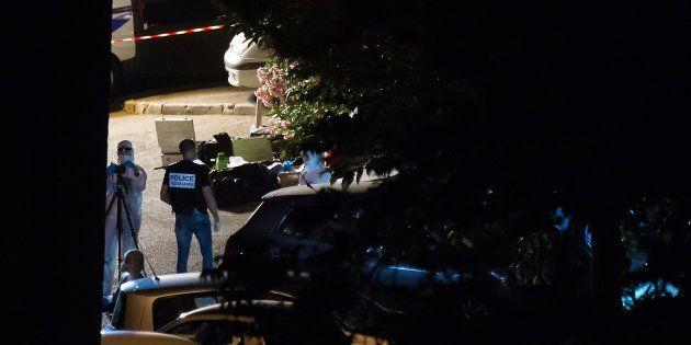 La police criminelle sur les lieux d'une scène de crime à Marseille, le 25 juin