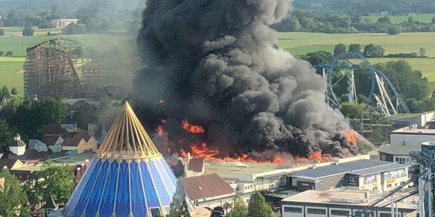 Europa Park: Un énorme incendie se déclenche dans le parc d'attractions, pas de