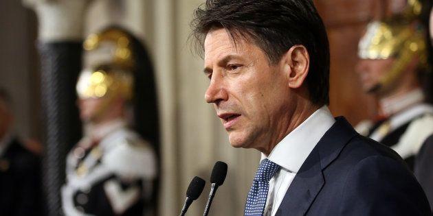 En Italie, Giuseppe Conte renonce à être Premier
