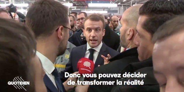 Emmanuel Macron interrogé par la presse après