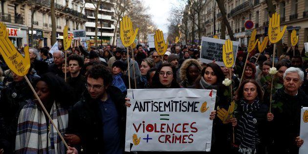 Manifestation contre l'antisémitisme à Paris en mémoire de Mireille Knoll, tuée à Paris en mars