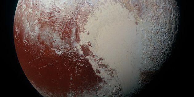 Et si Pluton était composée d'un milliard de comètes