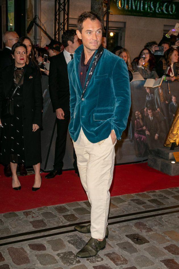 Jude Law incarne Albus Dumbledore dans ces jeunes