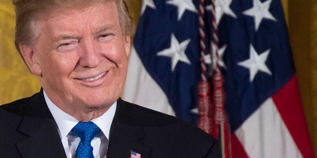 La baisse des impôts promise par Trump votée par le