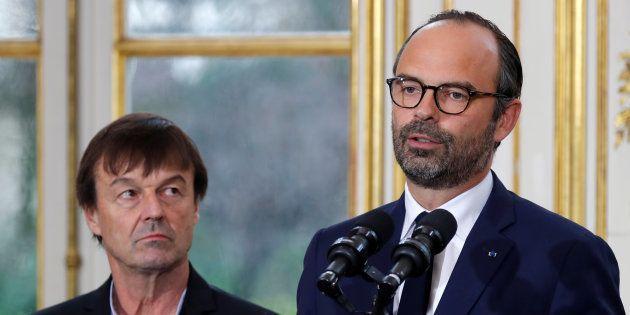 Nicolas Hulot au côté du premier ministre Edouard Philippe lors de la présentation des médiateurs de