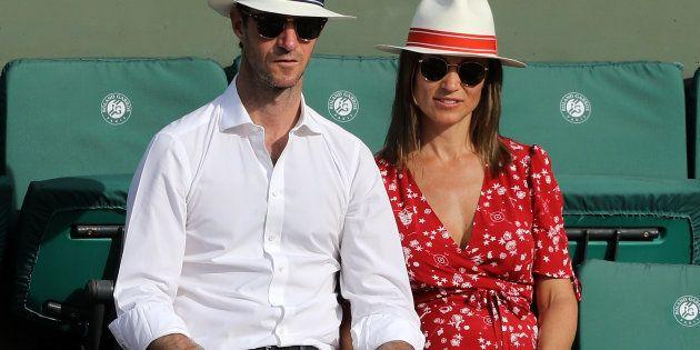 À Roland-Garros, Pippa Middleton et son mari James Matthews en amoureux dans les