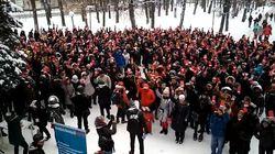 Ces Russes votent symboliquement pour l'opposant Alexeï Navalny, déclaré inéligible à la