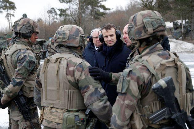 Macron visite et dort sur le Charles de Gaulle, voilà ce qui