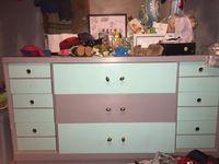 De quelle couleur voyez vous cette armoire?   Le HuffPost