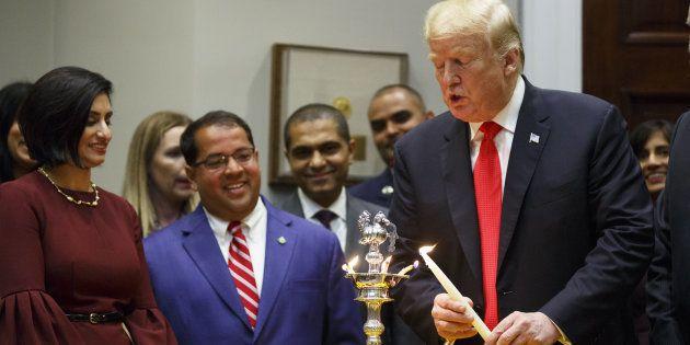 Mardi 13 novembre, Donald Trump recevait à la Maison Blanche des représentants politiques et de communautés...
