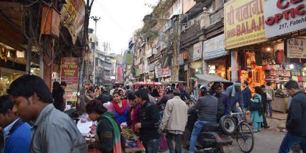 Une rue commerçante de New Delhi, en