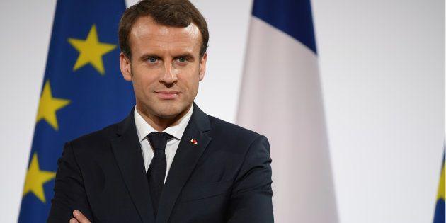 Chômage: Macron dénonce