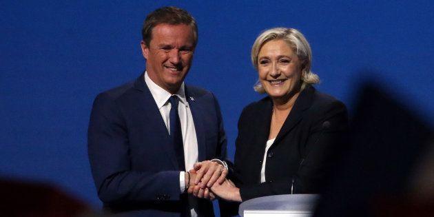 Nicolas Dupont-Aignan et Marine Le Pen le 1er mai 2017 à