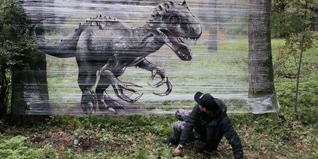 Ce graffeur imagine des œuvres magnifiques sans dégrader le mobilier