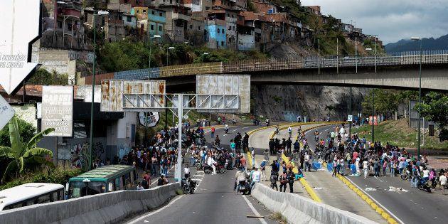 Pourquoi la Colombie envoie 50 tonnes de jambon au Venezuela pour les