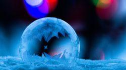 Il filme la cristallisation d'une bulle et le résultat est