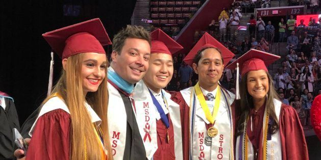 Le bel hommage de Jimmy Fallon aux lycéens de Parkland, lors de leur cérémonie de remise des