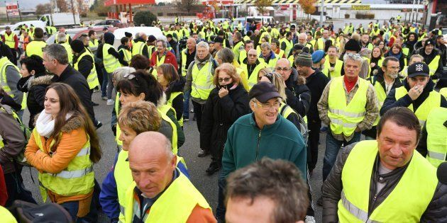 Des gilets jaunes présents sur la RN 90 entre Albertville et Chambéry le 17 novembre