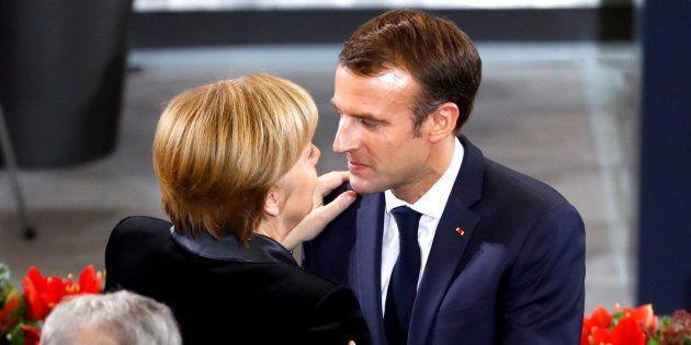Au Bundestag allemand, Emmanuel Macron a appelé Angela Merkel à réformer l'Europe face au risque de chaos