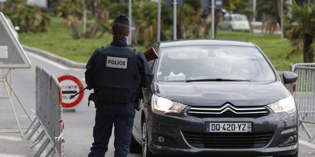 Un fonctionnaire de la police aux frontières à Menton en novembre