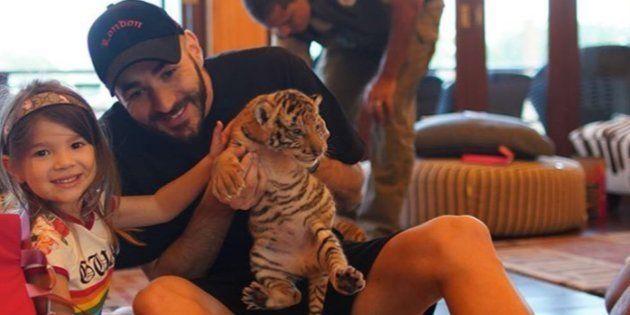 Ces photos de Karim Benzema avec un bébé tigre ont indigné Laurence