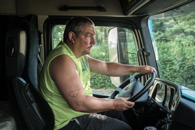 Denain (59), le 5 juillet 2018. Michaël est routier depuis 27 ans. Il travaille dans la même entreprise...